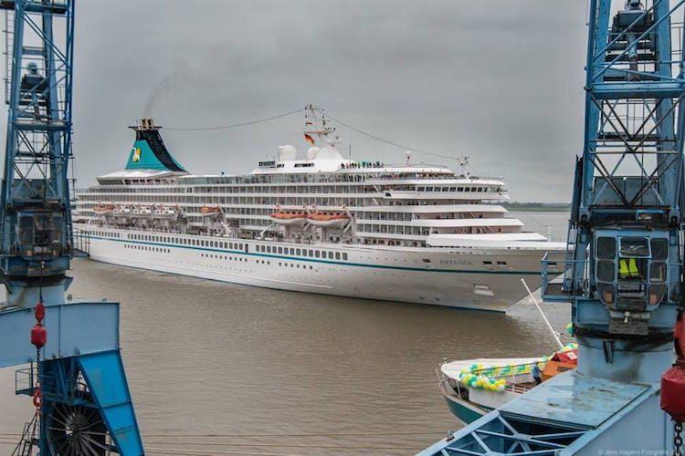 MS Artania beim Flottentreffen 2016 in Bremerhaven / © Jens Hagens