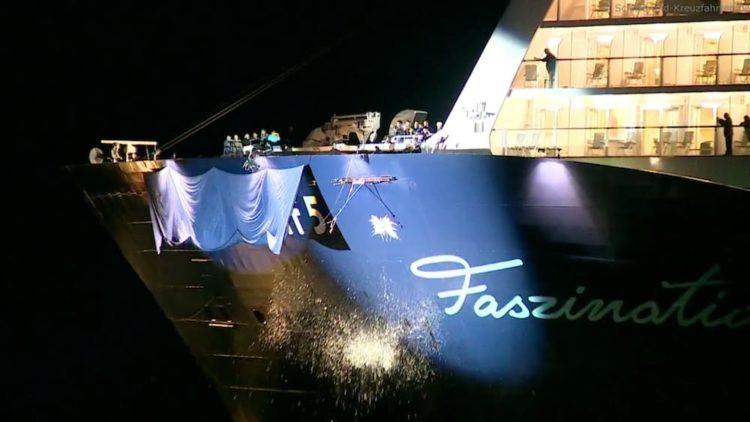 Die Mein Schiff 5 wurde in Travemünde von Lena Meyer-Landrut getauft / © TUI Cruises