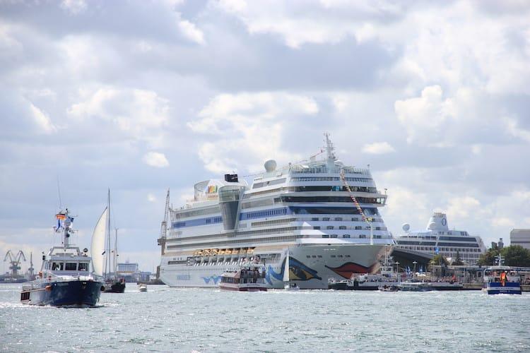 AIDA Cruises schickt AIDAluna und AIDAmar auf die Hansesail 2016 in Warnemünde / © AIDA Cruises