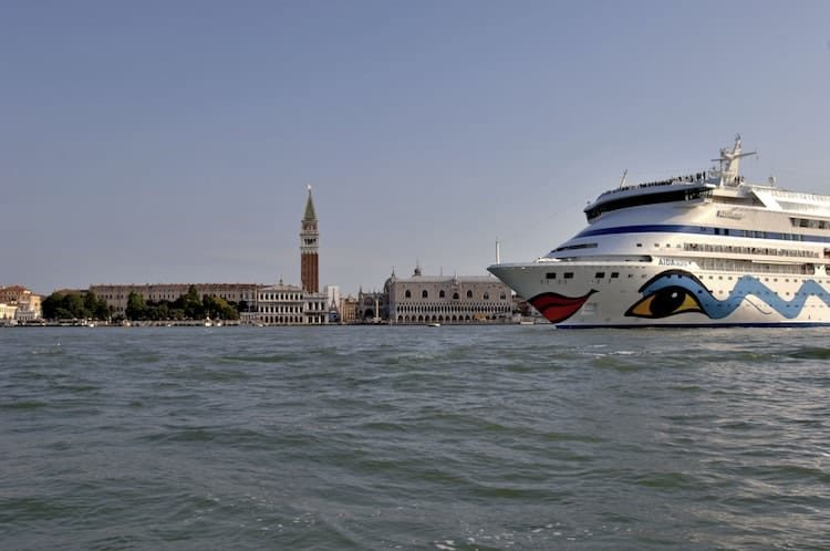 AIDAaura Umroutung: westliches Mittelmeer statt östliches Mittelmeer / © AIDA Cruises