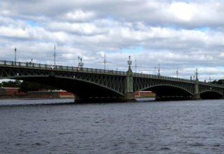 Anleger Troizki Brücke