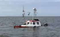 DGzRS rettet zwei Männer von sinkendem Boot im Wattenmeer