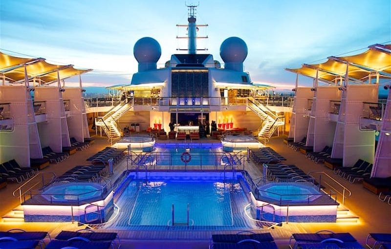 Pooldeck der Celebrity Reflection