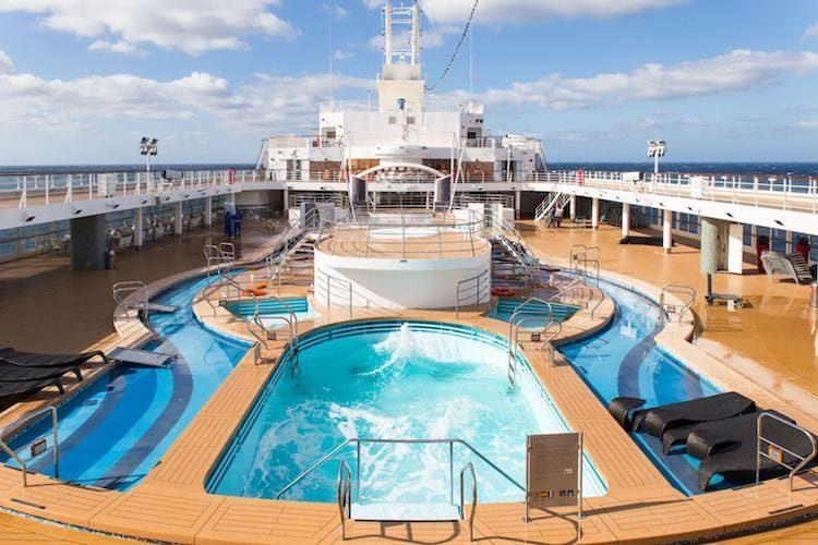 Mein Schiff Herz neues Pooldeck / © TUI Cruises