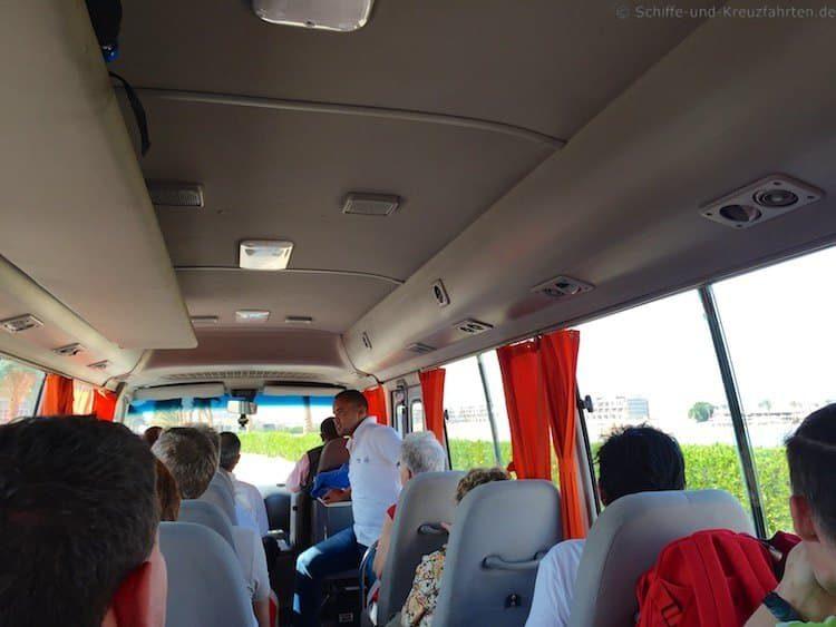 Busfahrt zum Glasboot im Caribbean World Resort