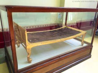 aegyptisches-museum-bett-1