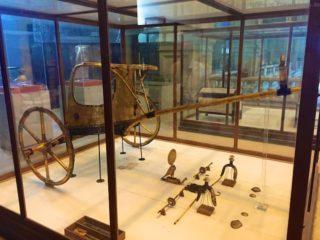aegyptisches-museum-pferdeanhaenger-1
