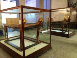 aegyptisches-museum-pharao-grab-bett-2