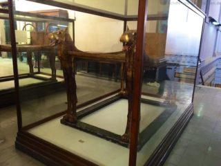 aegyptisches-museum-pharao-grab-bett