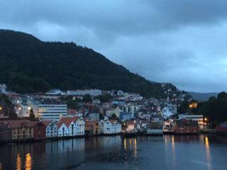 AIDAdiva Reisebericht: Einlaufen Bergen