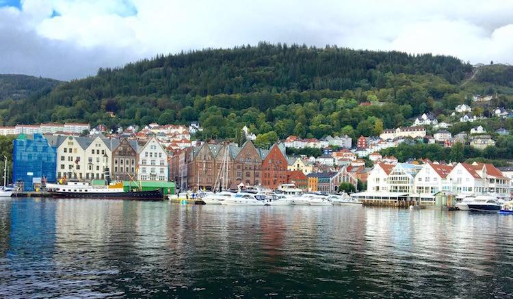 AIDAdiva Reisebericht: Auslaufen Bergen