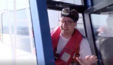 Philipp Guggenmoos am Limit auf der AIDAprima Brücke
