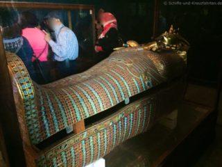 sarkophag-tut-anch-amun-aegyptisches-museum