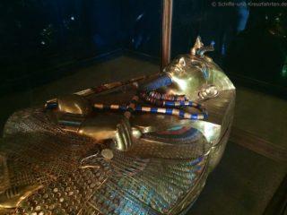 sarkophag-tut-anch-amun-aegyptisches-museum-4