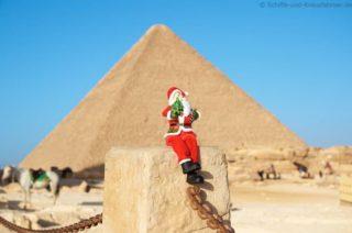 weihnachtsmann-chephren-pyramide