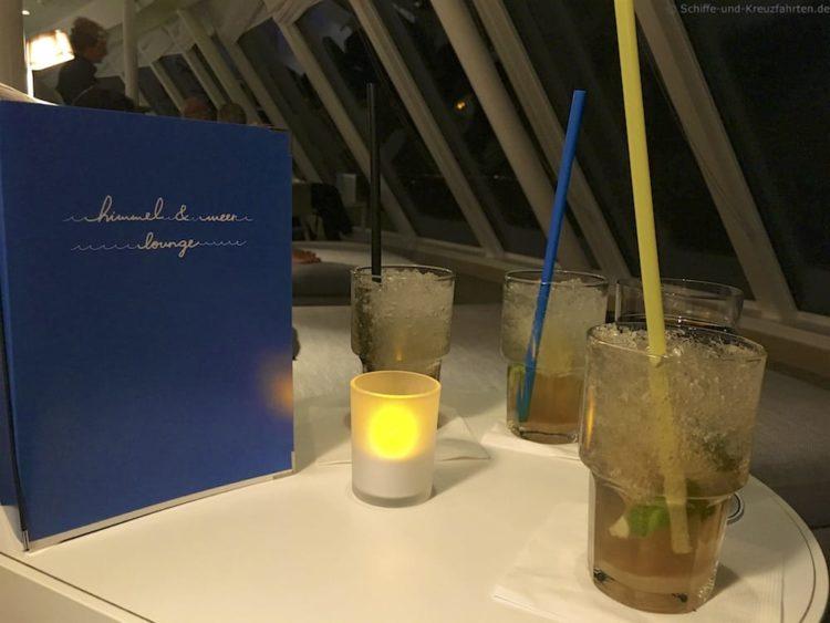 Cocktails in der Himmel & Meer Lounge