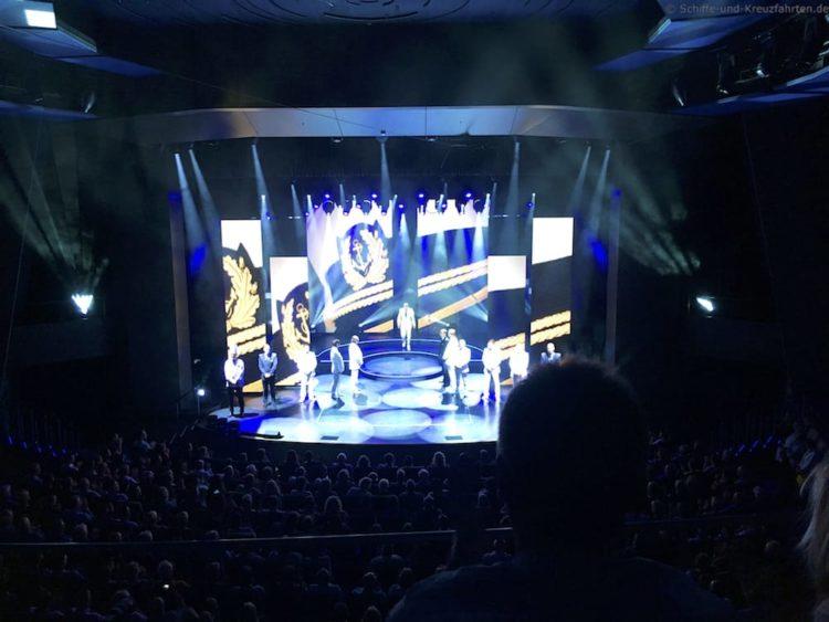 Offiziersvorstellung im Theater