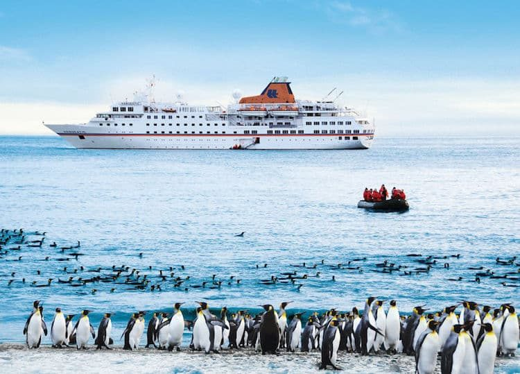 MS Hanseatic ©Hapag Lloyd Cruises