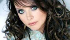 Sarah Brightman tauft Seabourn Encore