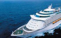Voyager of the Seas: Kreuzfahrt endet in Sauforgie mit 1300 indischen Männern