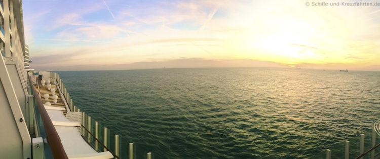 Sonnenaufgang auf der Nordsee