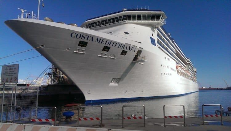 Costa Mediterranea im Hafen von Palermo