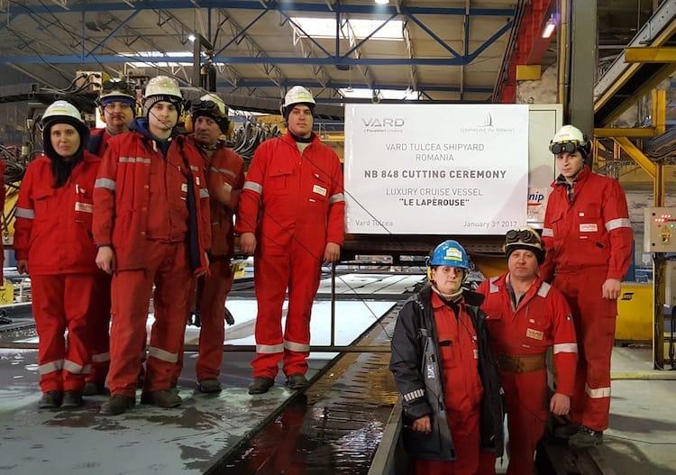 Stahlschnitt für die neuen Luxus Expeditionsschiffe auf der Vard Werft / © Ponant