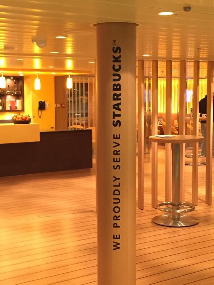 Starbucks Kaffee auf AIDAprima - demnächst auf allen AIDA Schiffen / © Sascha Meyer