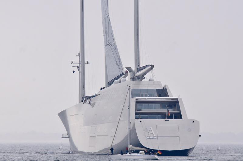 """Modernste yacht der welt  ⚓ Größte Segelyacht der Welt, die """"A"""" wurde in Gibraltar ..."""