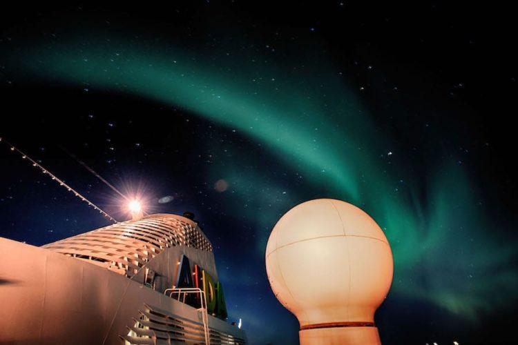 """Polarlichter mit der AIDAcara auf ihrer Selection Reise """"Winter im hohen Norden"""" / © AIDA Cruises"""