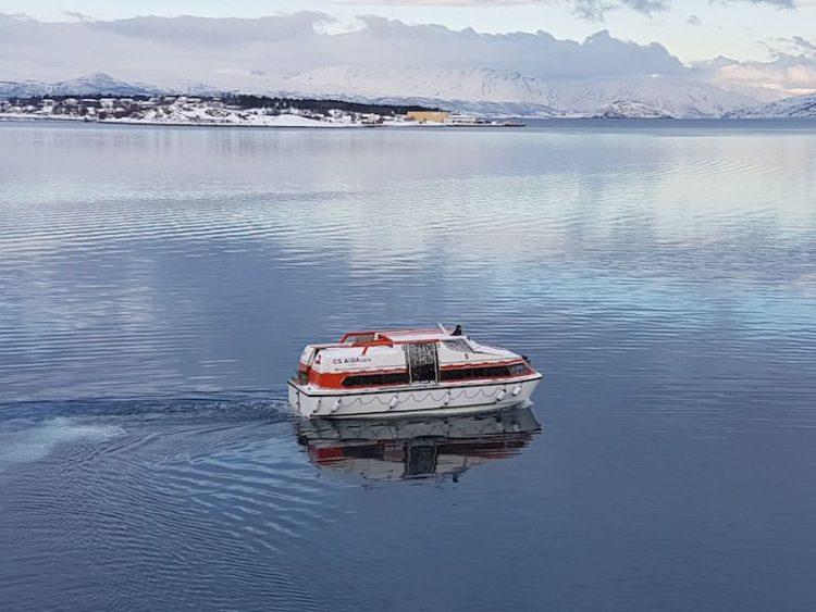Das Tenderboot für den Ausflug ist bereit