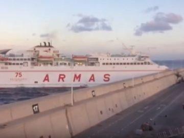 "Armas Fähre ""Volcan de Tamasite"" fuhr in die Hafenmauer von Las Palmas"