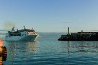 Die Empress of the Seas läuft erstmals in den Hafen von Kuba ein / © RCI