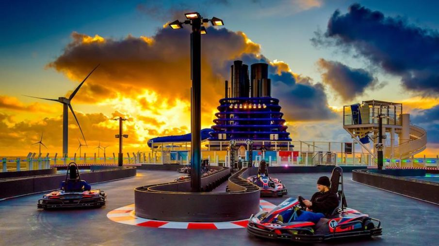 """Die Kartbahn ist das größte Highlight vom Schina-Schiff """"Norwegian Joy"""" das auf der Papenburger Meyer Werft gebaut wurde / © Norwegian Cruise Line"""