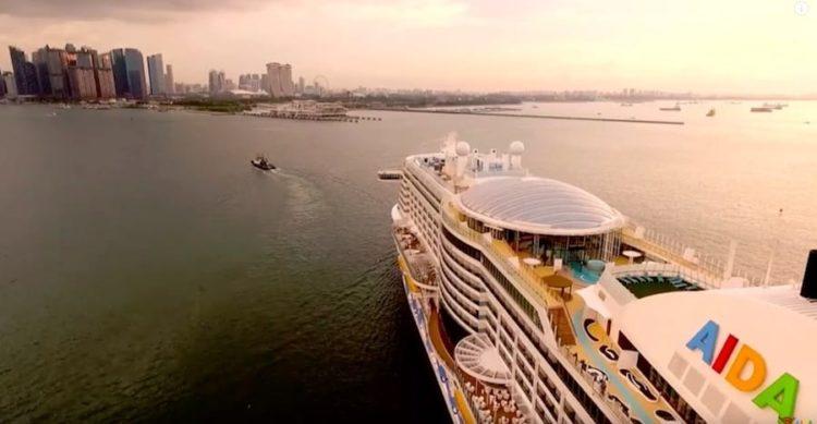 AIDAperla ist in Singapur angekommen / © AIDA Cruises