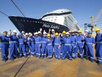 Die Crew der Mein Schiff 6 / TUI Cruises