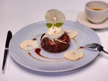 """Zu Ehren ihres Master Chefs und kulinarischen Beraters Rudi Sodamin eröffnet Holland America Line sechs Pop-up Restaurants mit dem Namen """"Rudi's Sel de Mer"""". / © Holland America Line"""