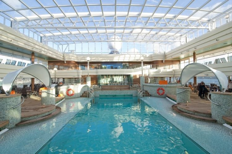MSC Magnifica Pooldeck / © MSC Crociere