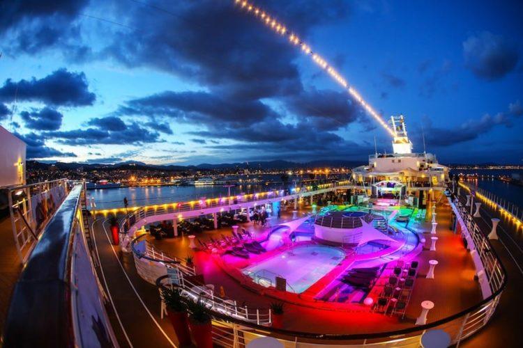 Unterwegs auf der Schwulenkreuzfahrten mit Mein Schiff 2 / © TUI Cruises