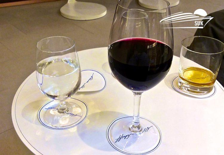 Drinks in der Himmel & Meer Lounge
