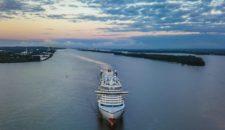 Video & Bilder: AIDAprima Luftaufnahmen auf der Elbe (Droneshots)