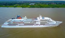 MS Europa & MS Europa 2 gehen zu Blohm und Voss in die Werft