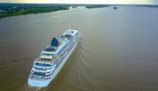Trockendock statt Luxuskreuzfahrt: MS Europa liegt bei Blohm und Voss – Reise abgesagt