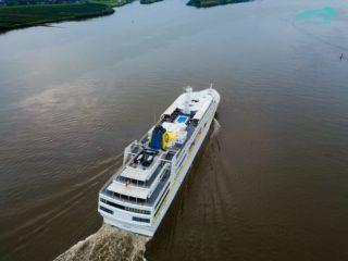 MS Hamburg wird bei Blohm + Voss modernisiert