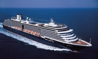 MS Oosterdam auf hoher See / © Holland America Line