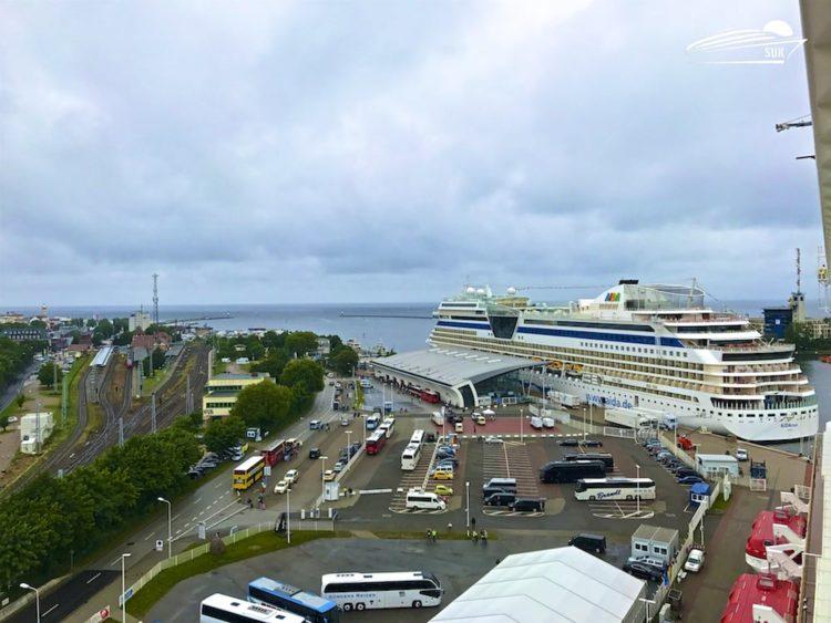 Norwegian Getaway und AIDAsol in Warnemünde