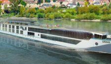 """""""Crystal Bach"""" offiziell von MV Werften an Crystal River Cruises übergeben"""
