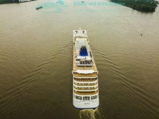 Die MS Europa 2 aus der Luft auf der Elbe - August 2017