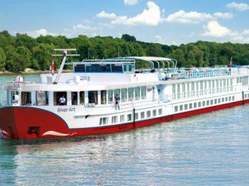 MS River Art von nicko Cruises: Krimi Events und Kurzreisen / © nicko Cruises