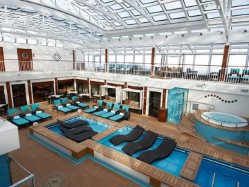 """""""The Haven""""-Courtyard auf der Norwegian Breakaway / © Norwegian Cruise Line"""